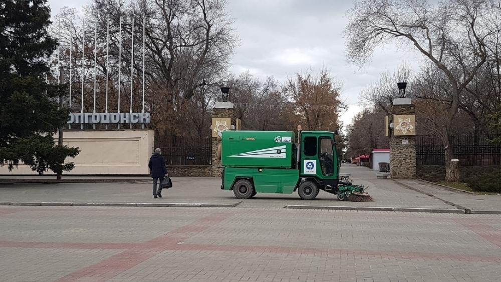 Работы по уборке города от мусора и грязи выполнены почти наполовину