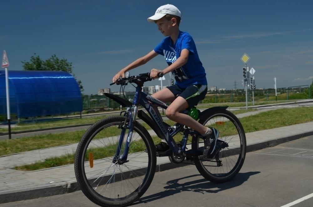 Юные велосипедисты сразились в фигурном вождении в Волгодонске