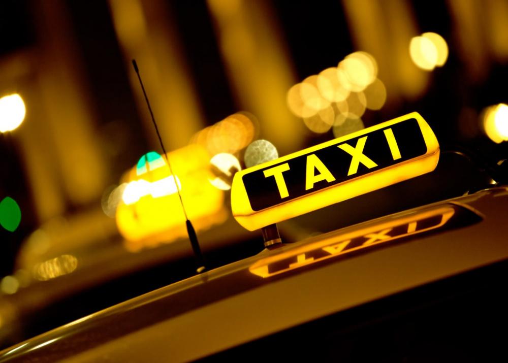 «Самым вонючим и прокуренным» назвали такси «Рэд» волгодонские депутаты