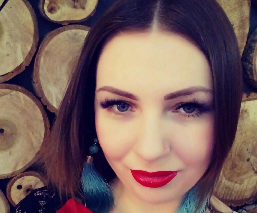 31-летняя Анна Хажаева хочет участвовать в «Миссис Блокнот», так как очень любит риск и азарт