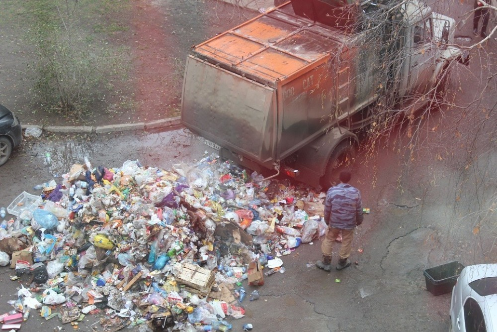 Куда звонить волгодонцам, если не вывозят мусор