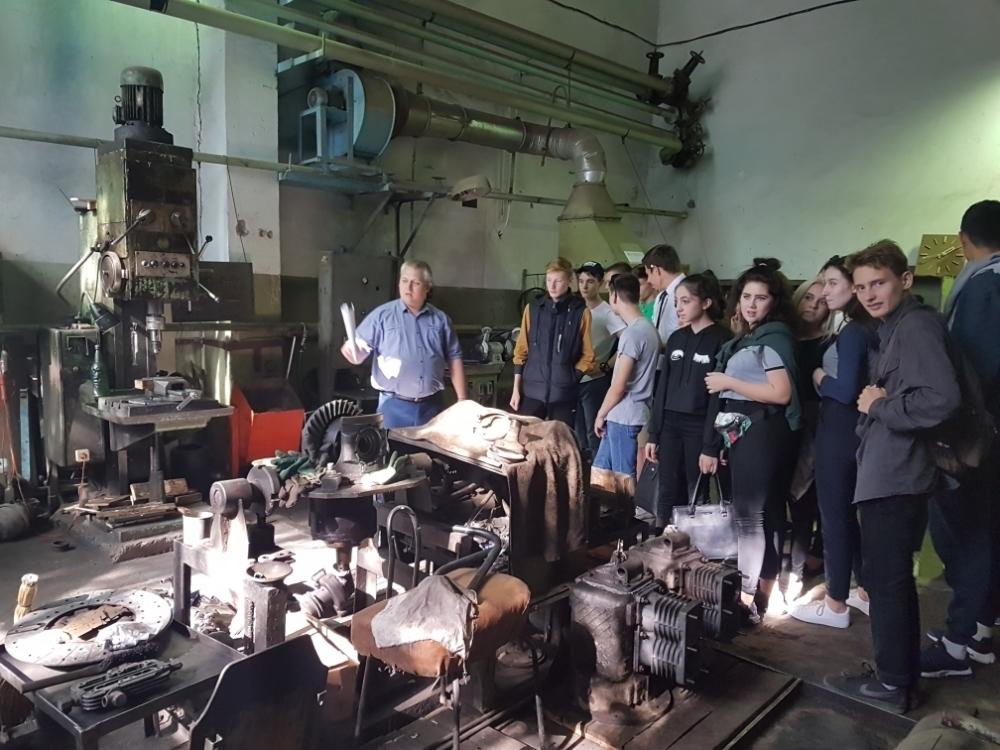 Волгодонские старшеклассники посетили предприятие «Городской пассажирский транспорт»