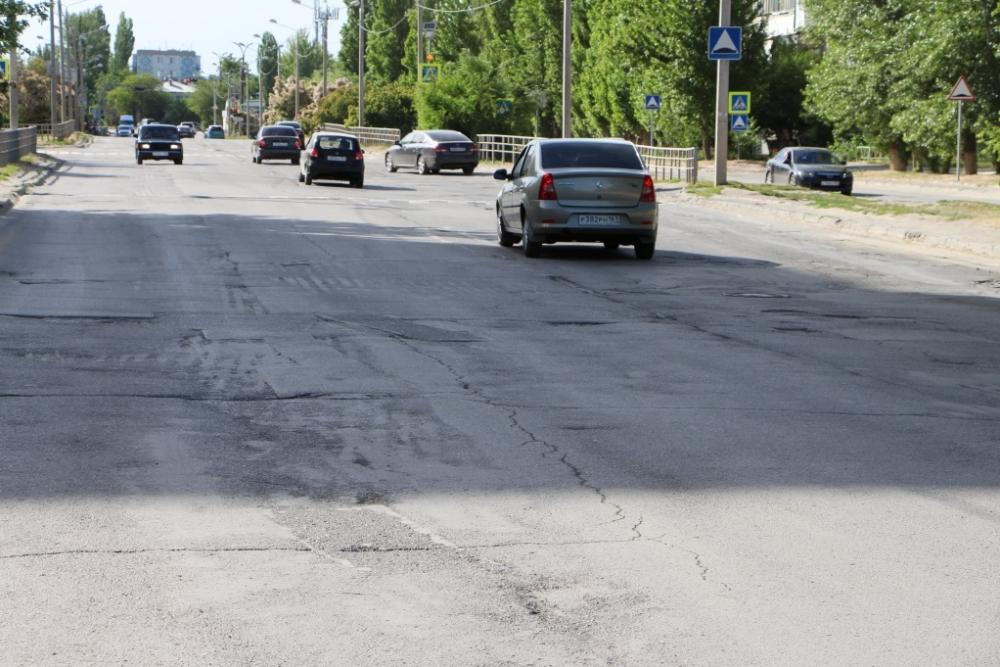 Летом в Волгодонске приступят к ремонту улиц Горького и Степной