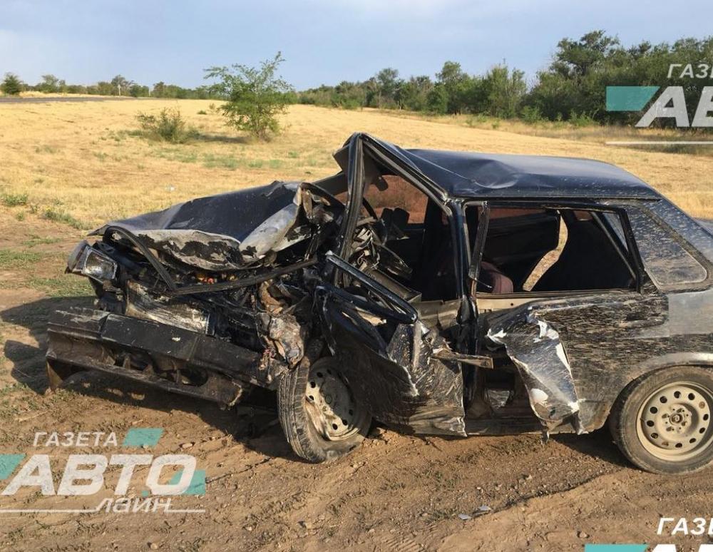 В жуткой аварии в Дубовском районе погиб водитель «москвича»