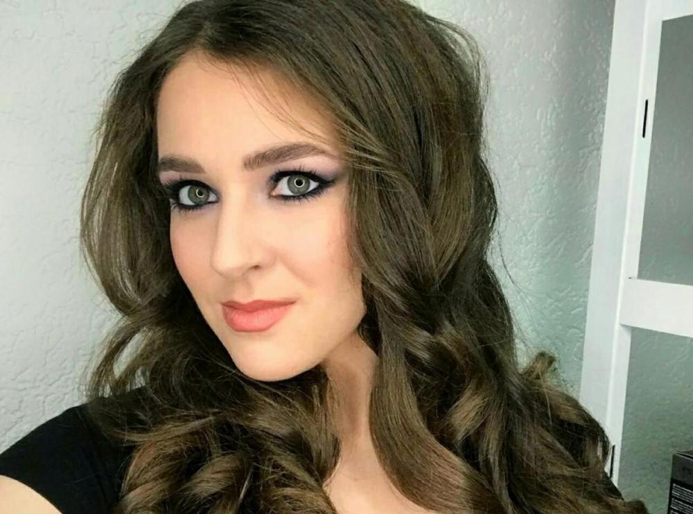 20-летняя Ксения Аксенова в конкурсе «Мисс Блокнот-2019»