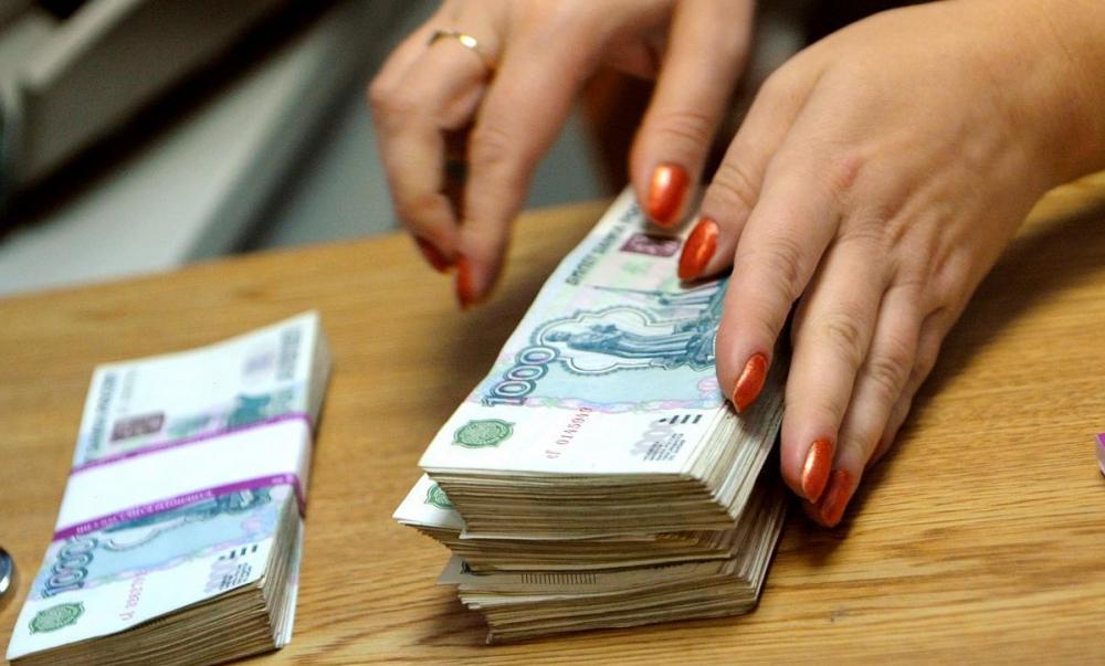 В Волгодонске бухгалтер похитила из магазина автозапчастей 250 тысяч рублей, чтобы погасить свои кредиты