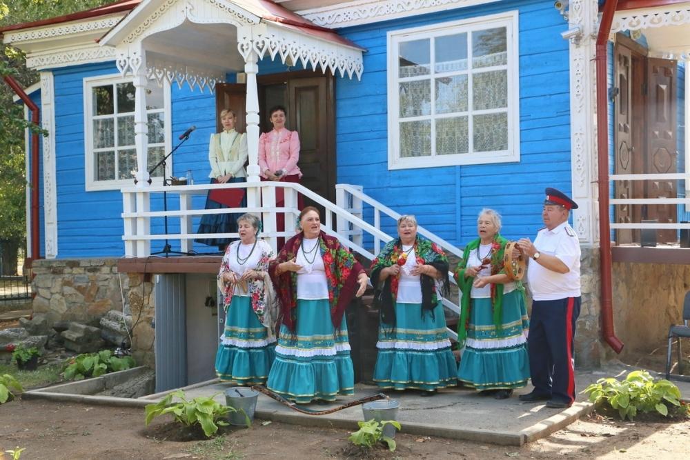 Казачий дом-музей в Красном Яру после ремонта открыл свои двери