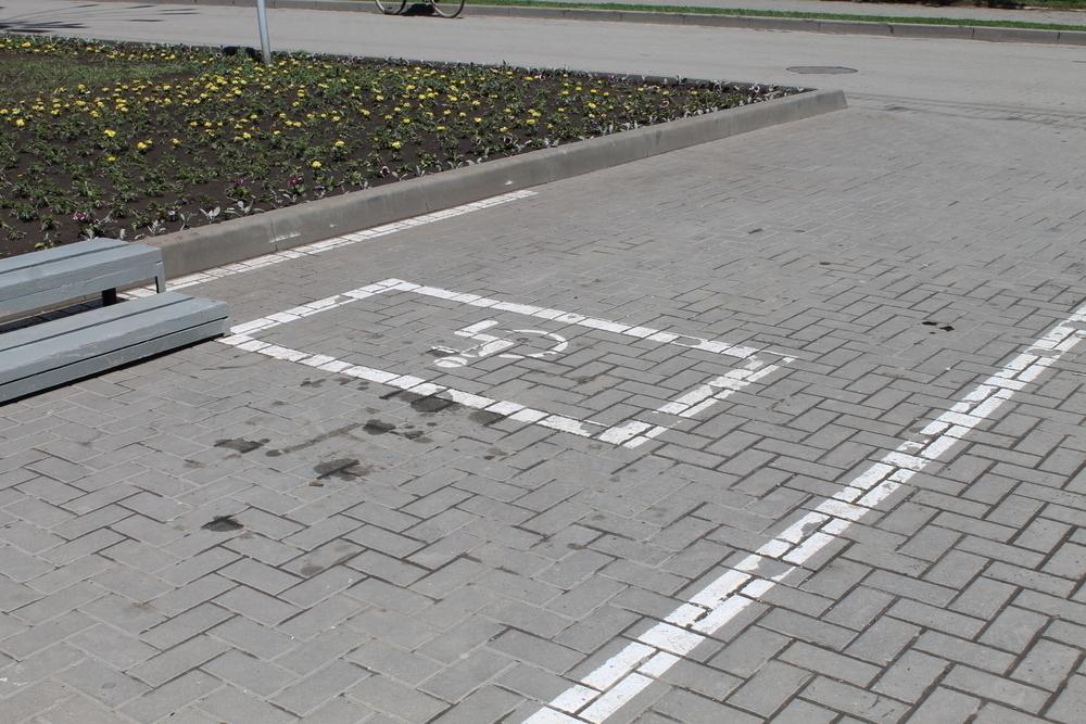 Ростовские полицейские пытались оштрафовать рабочих, подготавливающих площадь Победы к празднику - читатель