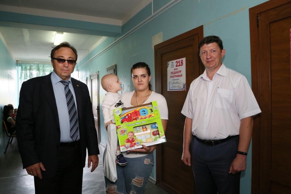 Пятитысячный пациент «Бережливой поликлиники» Волгодонска прошел профилактический осмотр