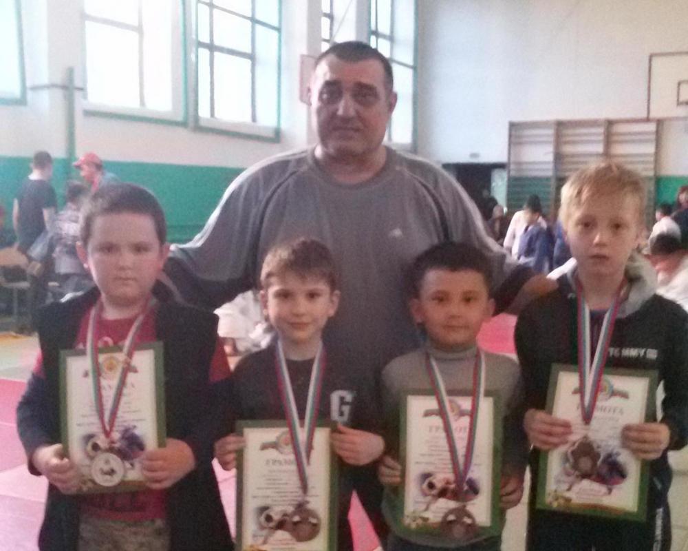 Четыре бронзовые медали завоевали волгодонцы на турнире по дзюдо