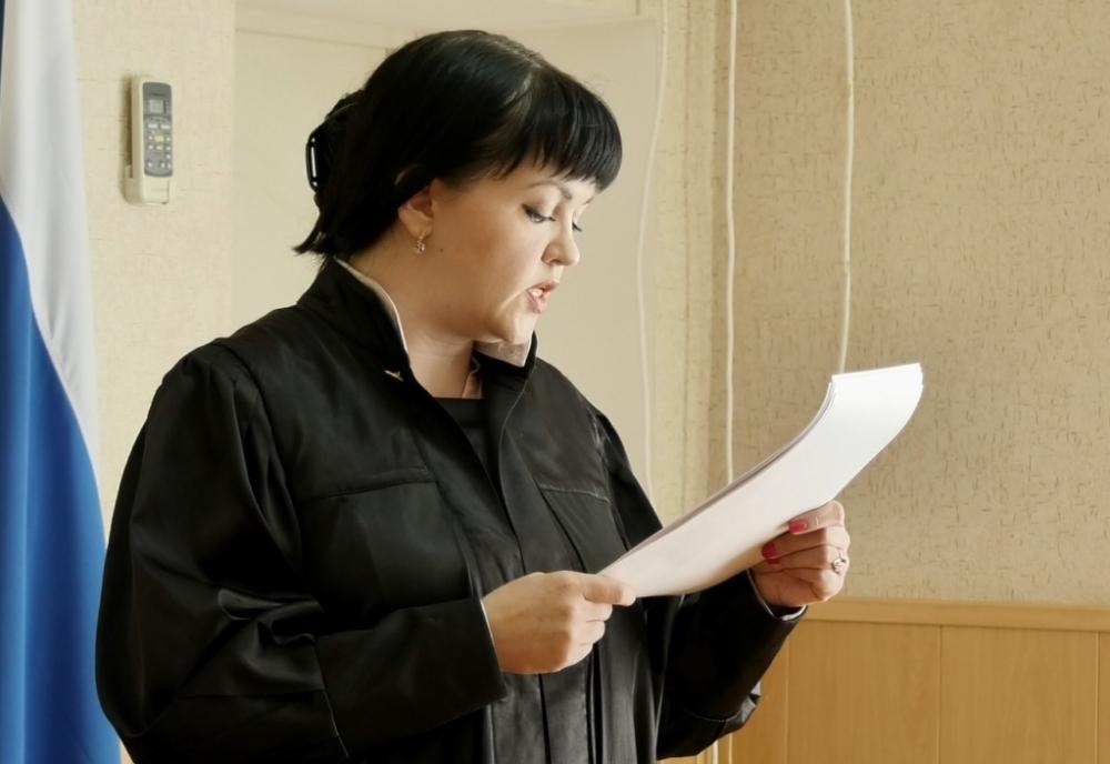 Судья Коваленко признала Сергея Мурашова виновным в грабеже и отправила в тюрьму