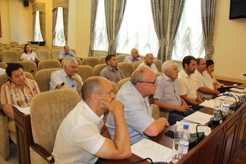 «Это грустный вопрос»: депутаты-единороссы обсудили состояние морга и кладбищ Волгодонска