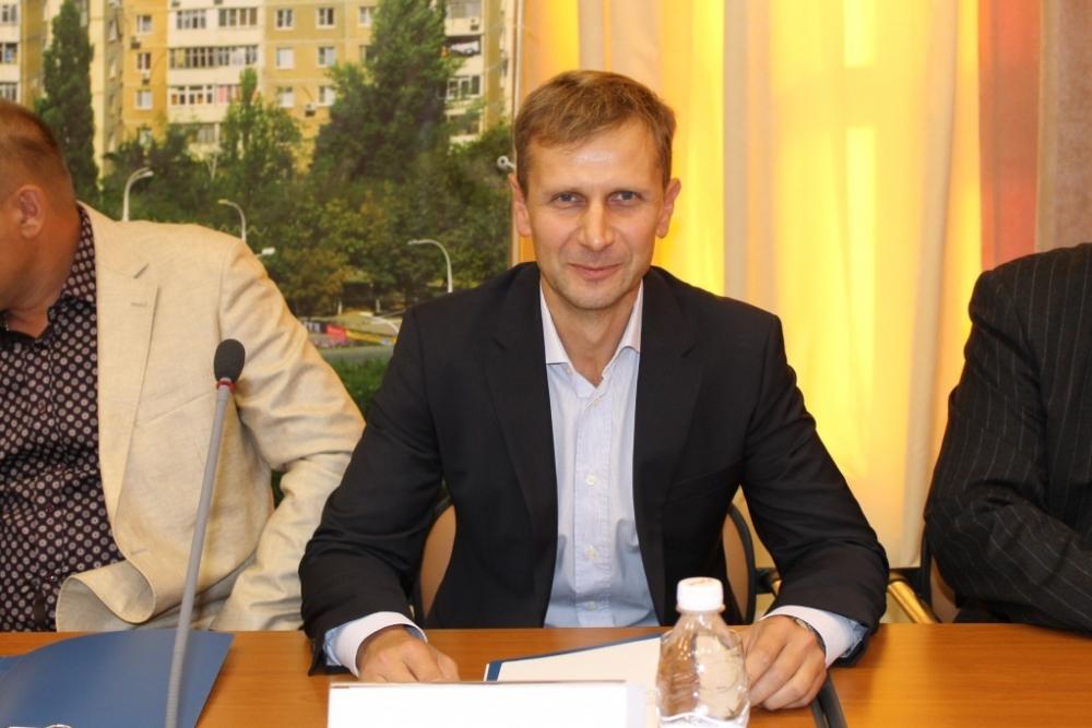 Доход депутата Сергея Ольховского меньше 100 тысяч рублей в месяц