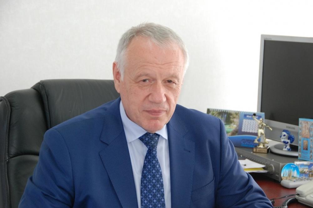 Доход депутата-врача Виктора Дорохова не намного больше, чем у директоров школ