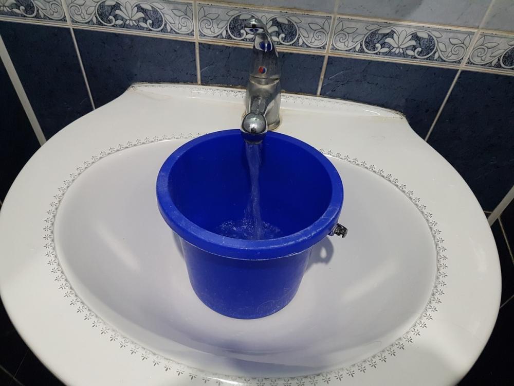 Волгодонцам придется запастись питьевой водой на понедельник