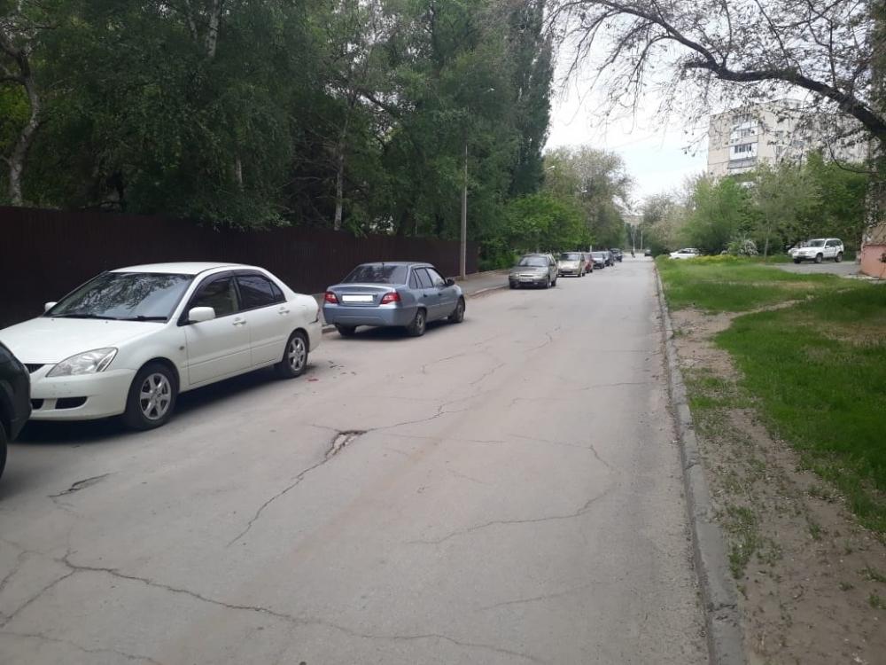 Неизвестный въехал в «Мицубиси» на Горького и скрылся