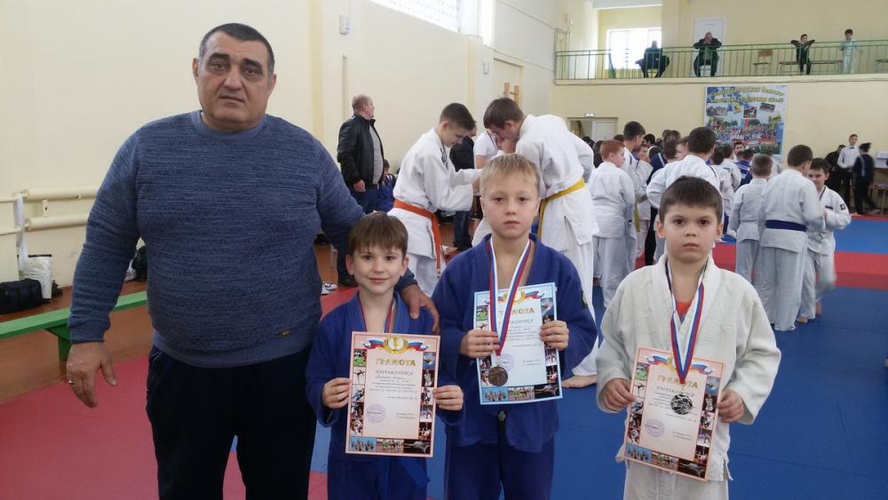 Волгодонские спортсмены отличились на рождественском турнире по дзюдо
