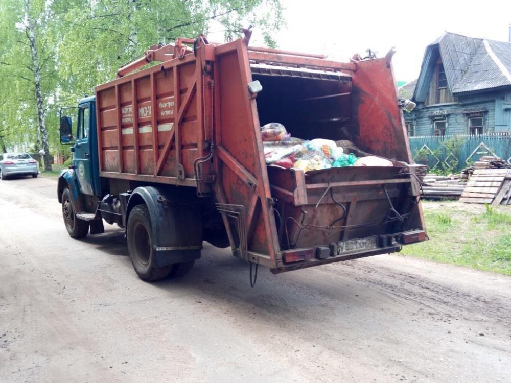 Регоператор просит жителей частного сектора Волгодонска выносить отходы в день приезда спецтехники