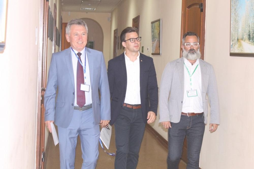 В Волгодонск прибыли делегации из Венгрии и Болгарии