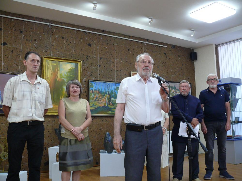 Картины из Волгодонска вызвали одобрение на выставке в Ростове