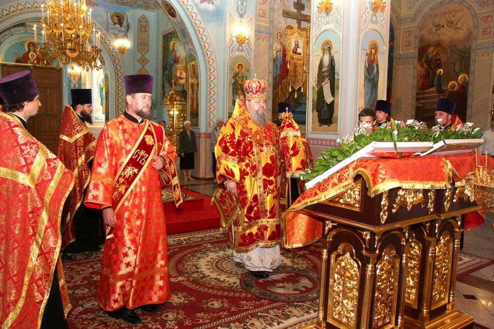 В храмах Волгодонска прошли Божественные литургии