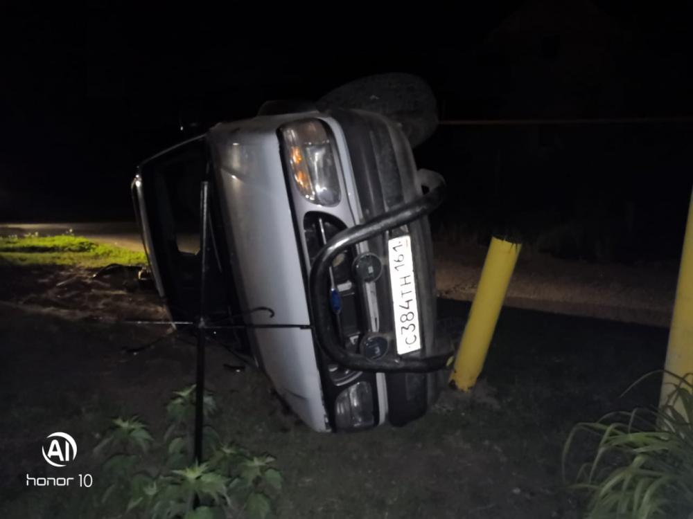 Водитель «Форда» едва не протаранил газопровод в Цимлянском районе
