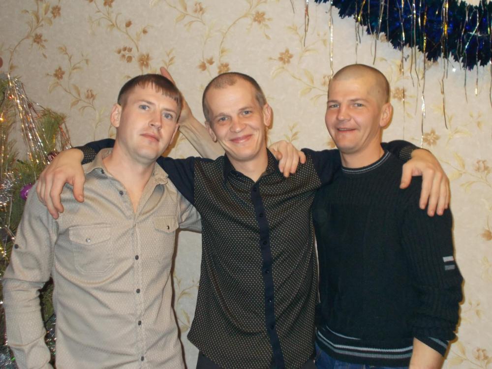 При попытке спасти друг друга два брата и их товарищ погибли в выгребной яме под Волгодонском