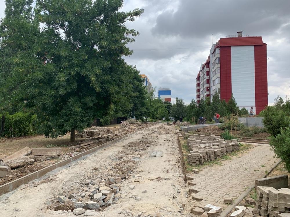 В квартале В-У идет реконструкция сквера памяти жертв теракта 1999 года