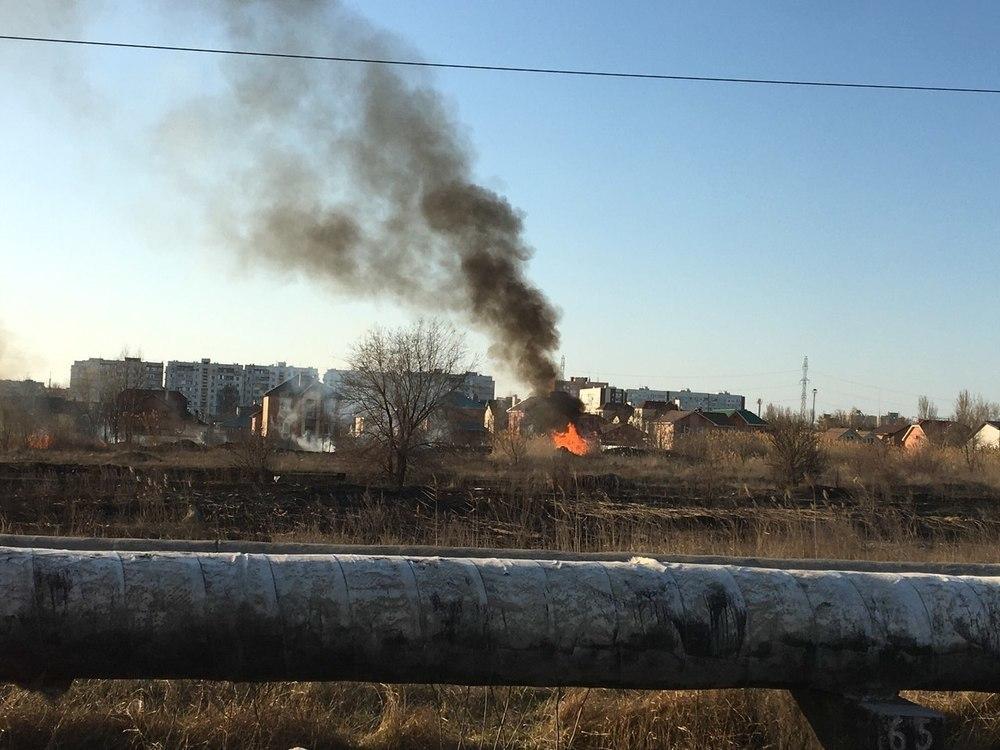 Волгодонск остался без света из-за пожара на Нагорном