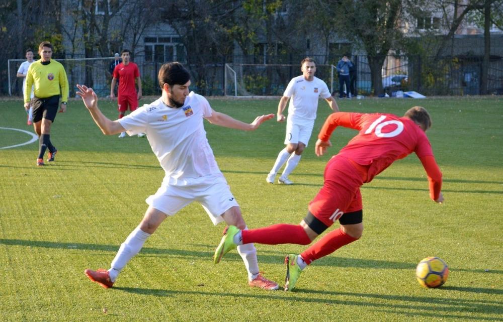 Волгодонские футболисты обыграли аксайцев со счетом 3:1