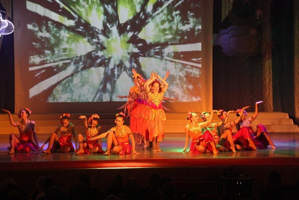 Театр танца «Империя» выступил с отчетным концертом в Волгодонске