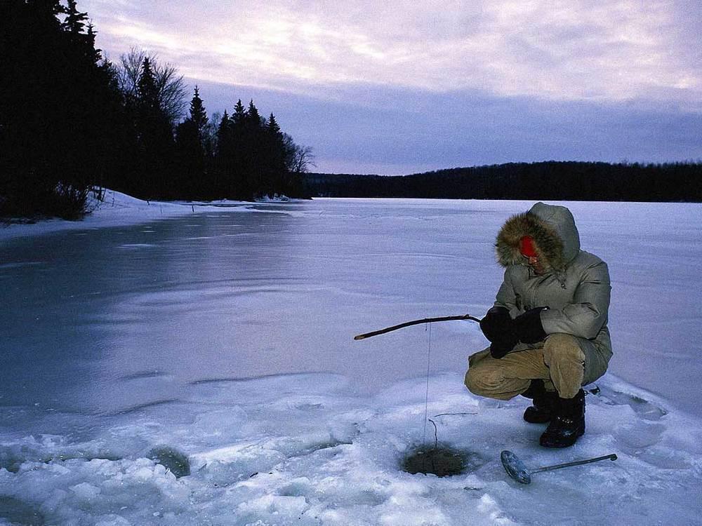 Рыбаков на водоемах Волгодонска стало меньше, несмотря на окрепший лед