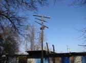 13. Сохранившийся деревянный столб с ликвидированной железнодорожной телеграфной линии Куберле - Морозовская, 2015 год