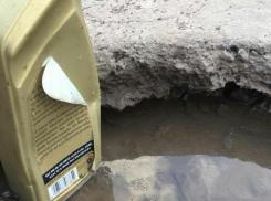 Автомобилистку грубо отчитали за пробитое колесо на волгодонских дорогах «без ям»
