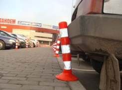 Законность установки парковочных блокираторов и шлагбаумов во дворах Волгодонска прокомментировали эксперты