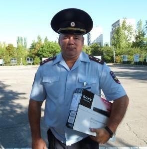 Полковнику полиции Виктору Полунину передали награду из донской столицы