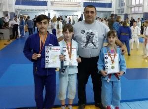 Юные дзюдоисты из Волгодонска привезли пять медалей с областных соревнований