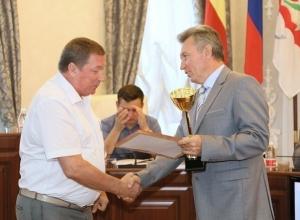 Награды из рук главы администрации Волгодонска получили победители спартакиады трудящихся