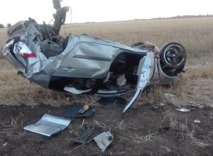 «Рено» превратился в груду металла после ДТП в 20 километрах от Волгодонска