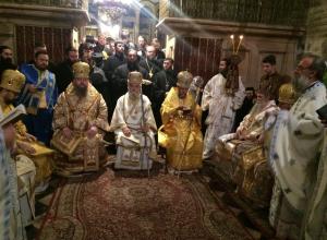 Епископ Волгодонский и Сальский Корнилий молится на Святой Земле