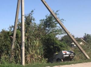 «ВАЗ» въехал в «чертовы ворота» после ДТП на пятом километре Волгодонска
