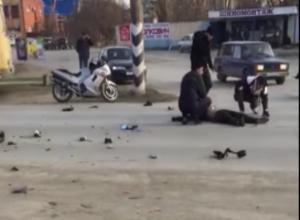 Жуткое ДТП с мотоциклистом в Цимлянске попало на камеру видеонаблюдения