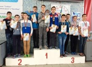 Третье место и 16 медалей завоевали пловцы из Волгодонска на областных соревнованиях
