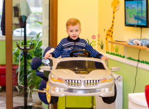 Поход в парикмахерскую для маленьких волгодонцев теперь превратился в праздник