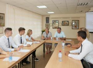Виктор Мельников встретился с членами молодежного правительства Волгодонска