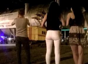 Перевозка сравнимой с ракетоносителем «Протон» колонны взбудоражила ночной Волгодонск