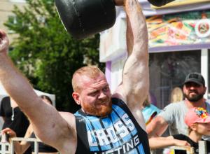 Один из самых сильных мужчин Волгодонска Иван «Викинг» за три недели завоевал три чемпионских титула