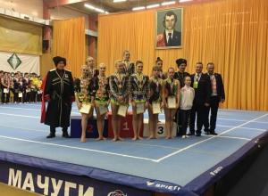 Акробаты из Волгодонска покорили пьедестал почета в Краснодаре