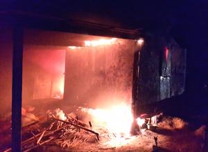 Мужчина сгорел заживо во время пожара в бытовом вагончике