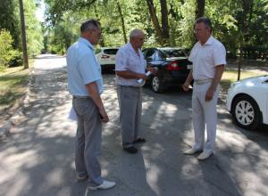 «Работаете на два с минусом»: Виктор Мельников прервал объезд по дорогам из-за неподготовленности директора ДСГХ